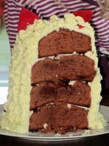 Furby-Cake angeschnitten